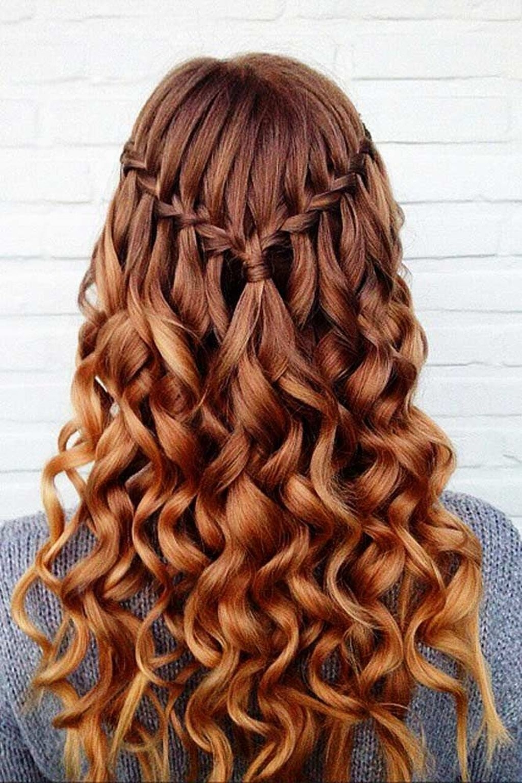 44 Cute Christmas Braided Hairstyles Ideas Addicfashion